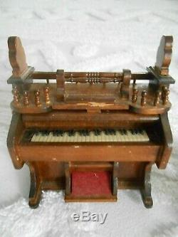Beautiful Vintage Wood Music Box, Wire Fox Terrier Playing the Organ