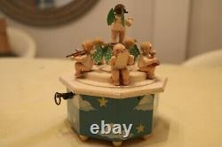 Erzgebirge Wooden Music Box Dolkskunst Vintage German Hand Made & Hand Painted
