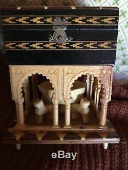 Israeli Jewish Inlaid Wood Hinged Music Box Rare Fountain & Beasts Under Canopy