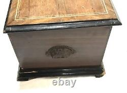 Lovely Walnut And Simulated Rosewood Inlaid Musical Box 30 Airs