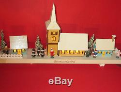 MUSICBOX Christmas Village Erzgebirge Wood 18² long handcarved electrified