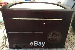 Mr Christmas Ice Skaters Symphonium Bells Wood Music Box 50 Songs 79997 Classic