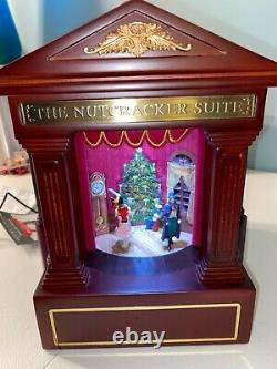 NEW Mr. Christmas Heirloom Nutcracker Suite Ballet Stage Action Music Box wood
