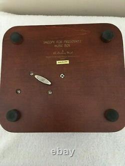 Rare Danbury Mint SNOOPY FOR PRESIDENT! Music Box