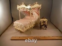 Rare Reuge Spielwaren Dollhouse Rococo Szalasi Canopy Bed WithMusic Box & Table