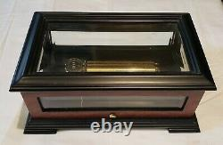 Reuge Music Crystal and Wood Music Box playing 3.72 Note My Heart Will Go On