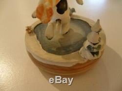 Snoopy Carved Wooden Wind-up Music Box Ice Skating Vintage Find Scarce