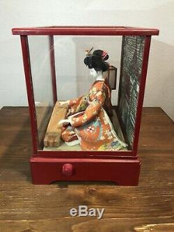 VINTAGE JAPANESE GEISHA DOLL WITH MUSIC BOX & WOOD/GLASS CASE 1950s