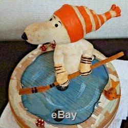Vintage ANRI Snoopy PEANUTS Musicbox 1971 ice hockey wood carving Rare